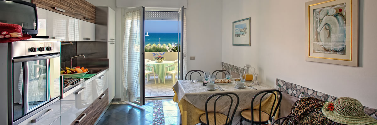 Appartamenti vacanze bilocale trilocale alba adriatica abruzzo for Bilocale arredato alba